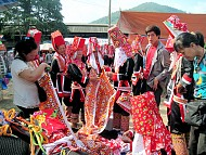 Ghé Thăm Chợ Tình Đồng Văn Ở Bình Liêu, Quảng Ninh