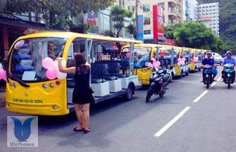 Mở tuyến xe điện đầu tiên Minh Châu - Quan Lạn